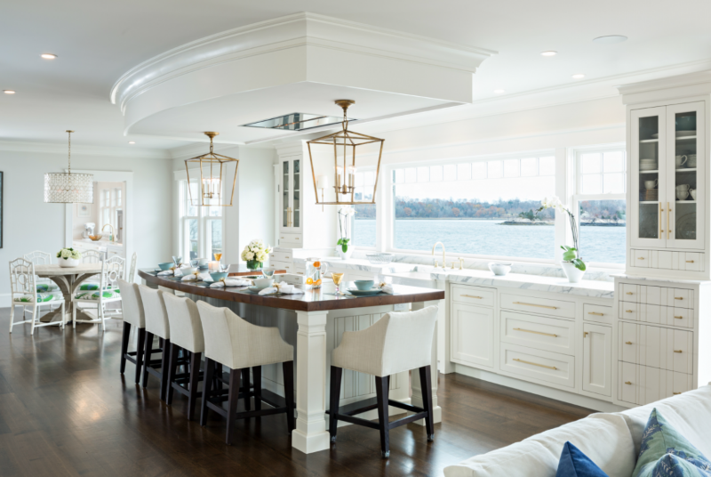<strong>Kitchen designed with furniture feel; hidden appliances blend seamlessly with open living space and maximize views</strong><br>Dan Cutrona