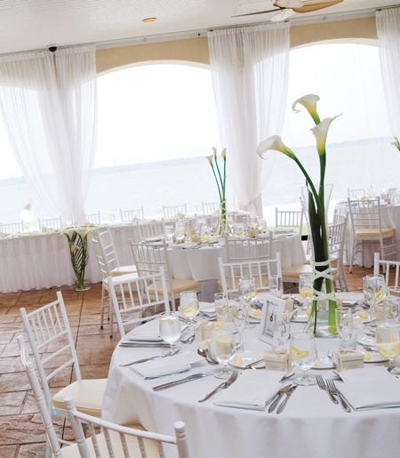 A Timeless New England Wedding At A Newport Mansion: Real New England Weddings: Newport, R.I.