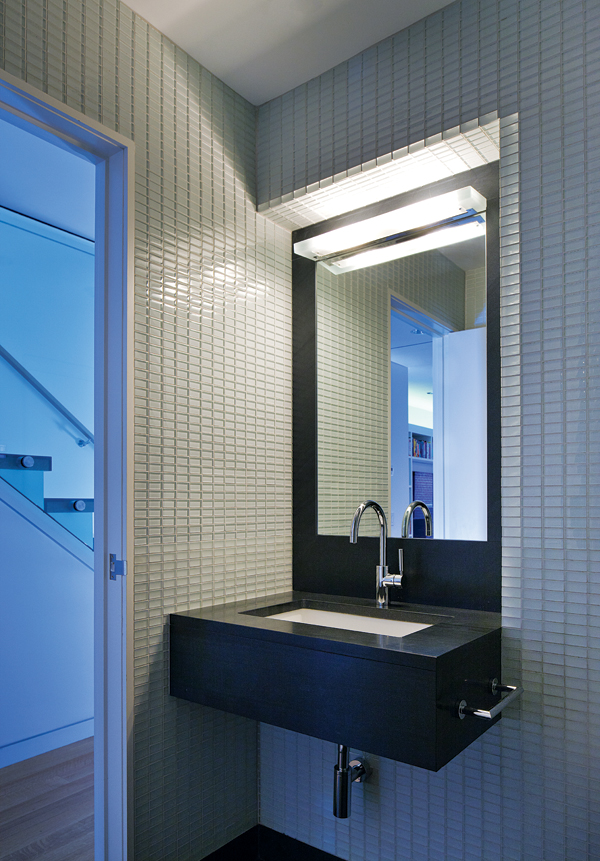contemporary beacon hill townhouse bathroom
