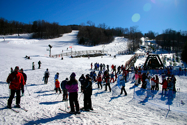 Loon Mountain skiers