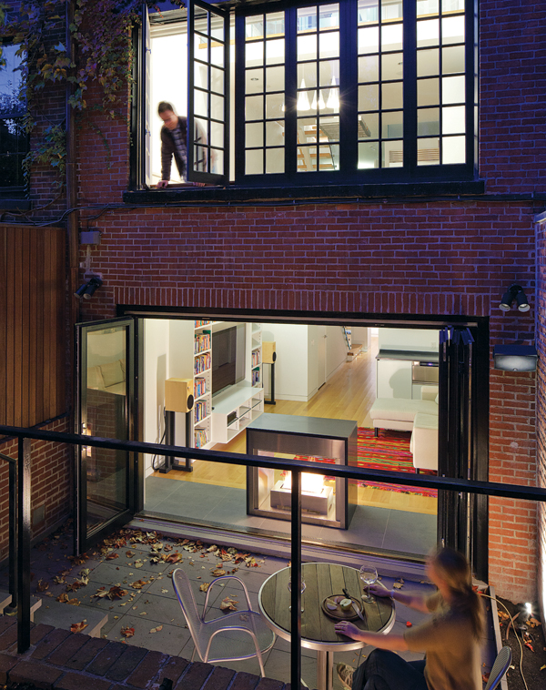 contemporary beacon hill townhouse outside