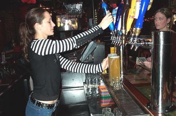 Pour House Bar