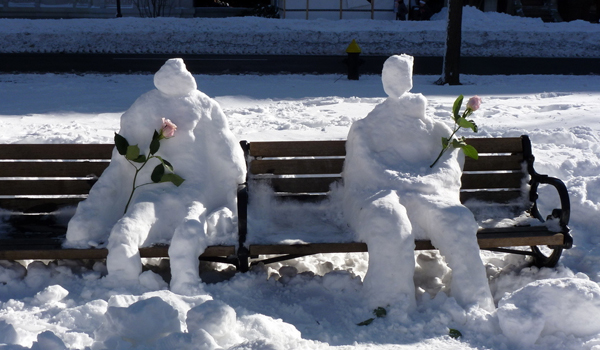 nemo snowman couple photo comm ave mall