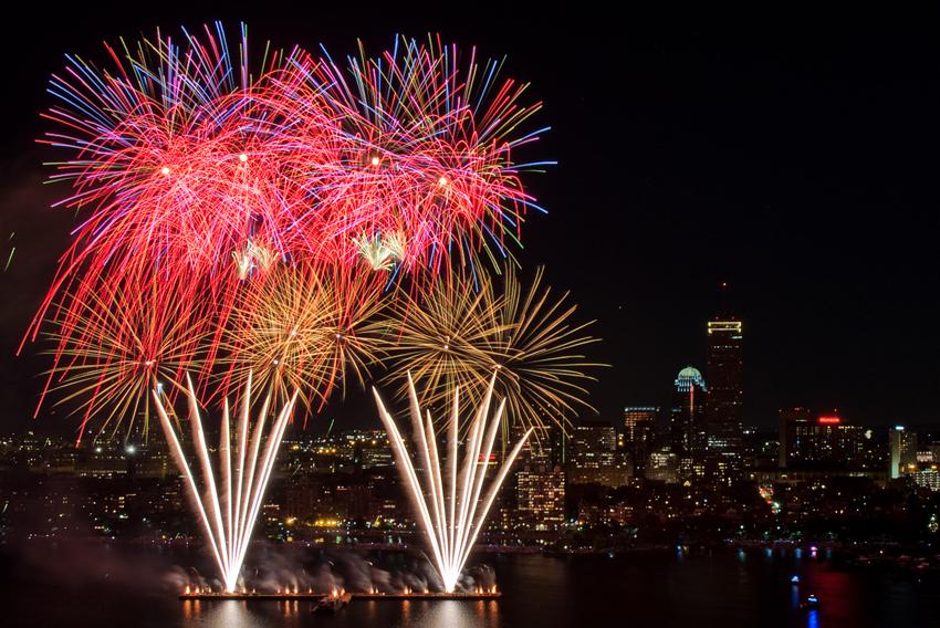 boston-fireworks-july-4th
