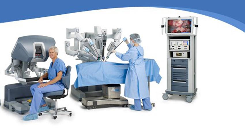 The da vinci robotic surgery system photo via Facebook.
