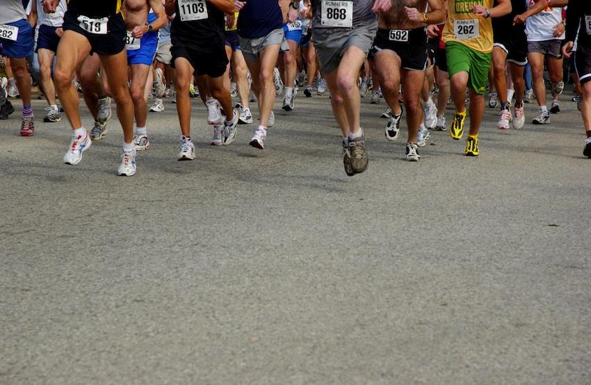 5k Race image via Shutterstock.