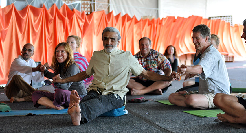 Dharma Mittra. All photos provided by Rachel Fabiszak Photography.