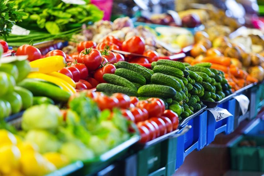 Grocery store produce image via Shutterstcok.