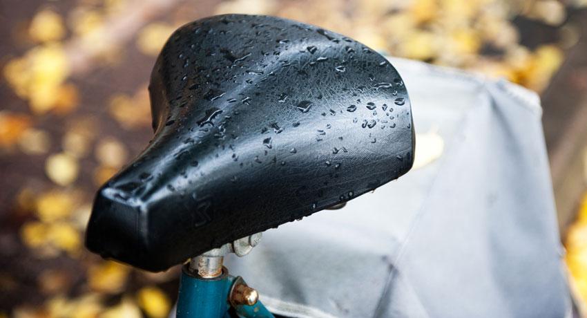 Wet bike seat image via shutterstock