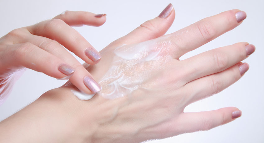 Skin moisturizer image via shutterstock