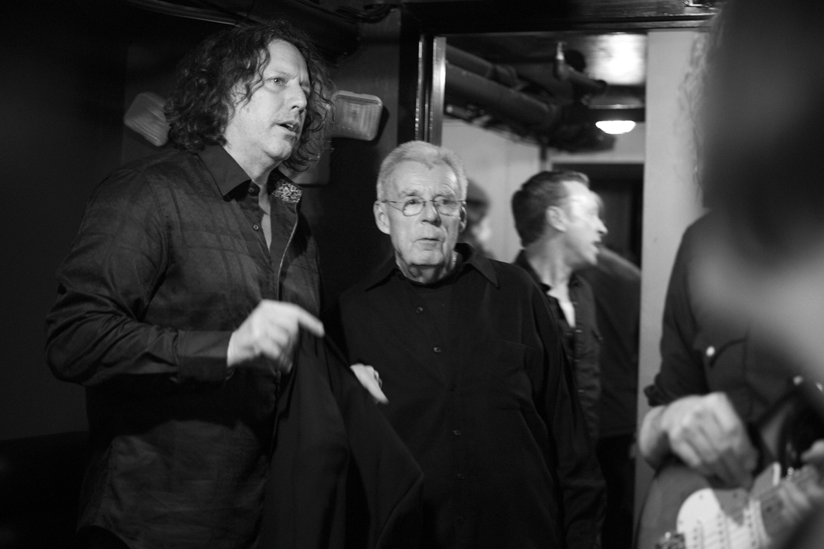 Steve Gorman (Black Crowes) and Peter Gammons backstage / Photo by Kelly Davidson