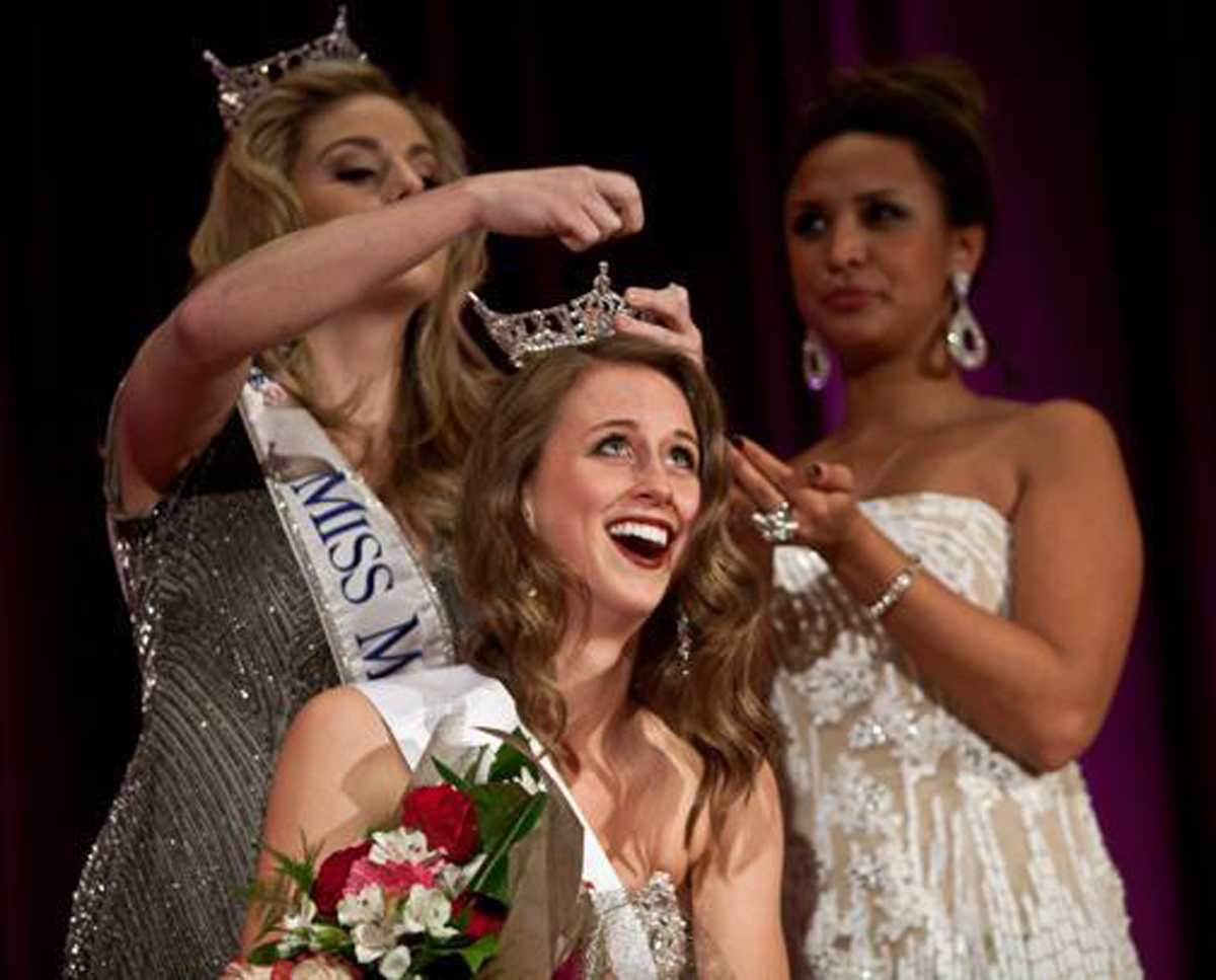 Crowning Miss Boston 2013