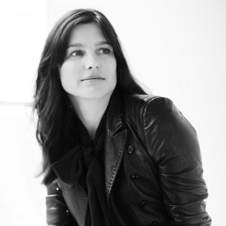 Tabitha-Simmons-Portrait_Steven-Pan-850x1270