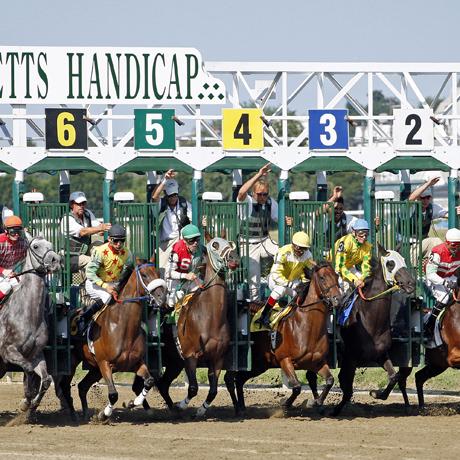 Suffolk_Downs_horse_racing