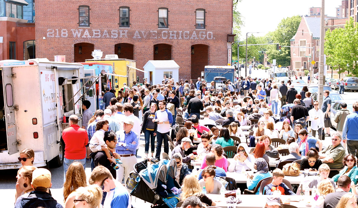 food trucks crowds