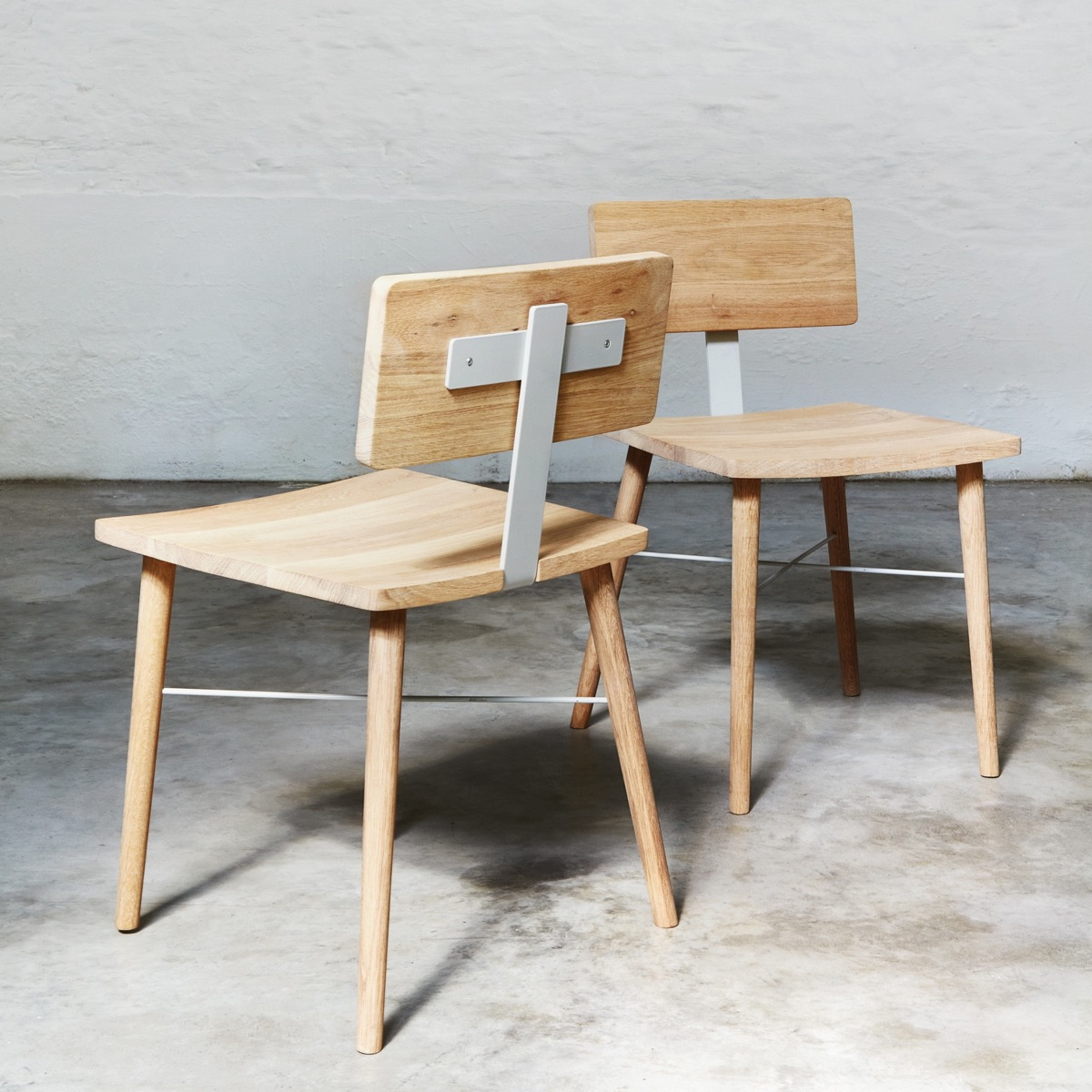 2 dowel chairs