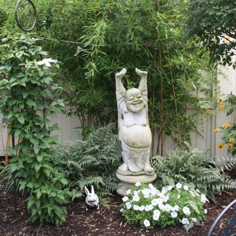 Charming Urban Garden 2 460