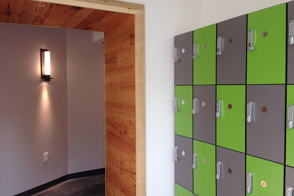 Reception and lockers.