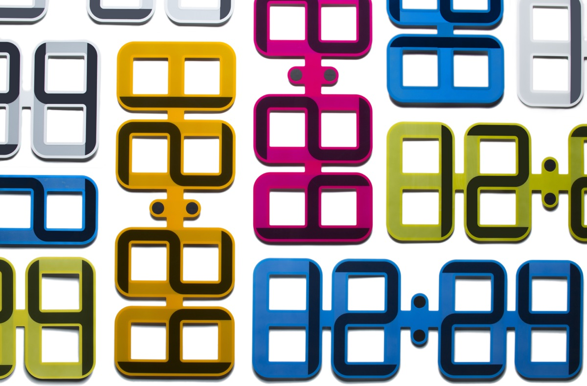 Color options for ClockONE image.