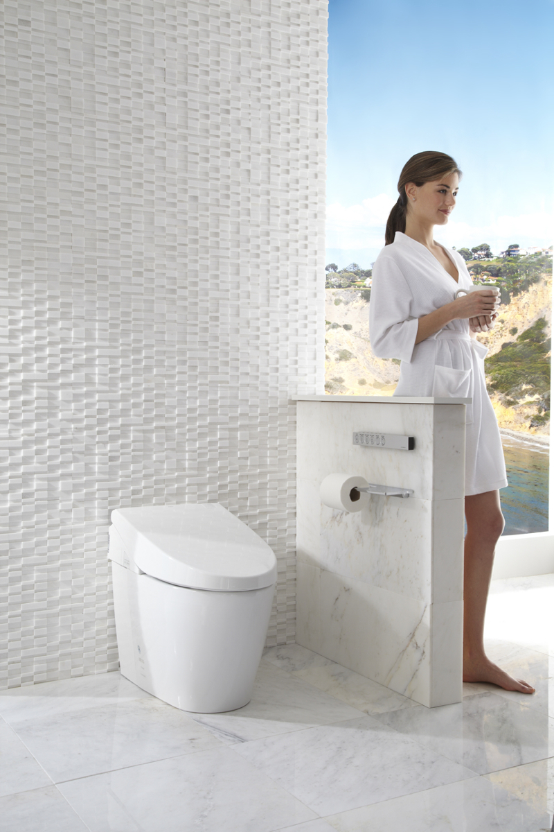 TOTO'S TOUCHLESS NEOREST TOILET, LIKE THE ONE IN THE HOMES OF TOM BRADY AND GISELE BUNDCHEN. PHOTO PROVIDED.