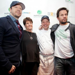 wahlburgers1-300x300
