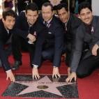Jonathan Knight, Jordan Knight, Joey McIntyre, Donnie Wahlberg, Danny Wood