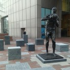bill russell statue sq