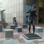 bill russell statue sq