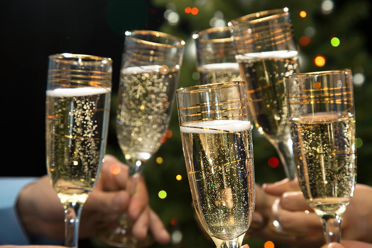 С днем рождения картинка с шампанским, открытки псалмы изготовление