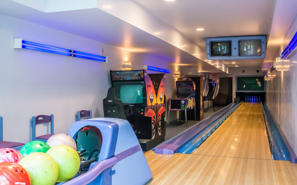 Indoor Bowling Alley For Home | Credainatcon.com