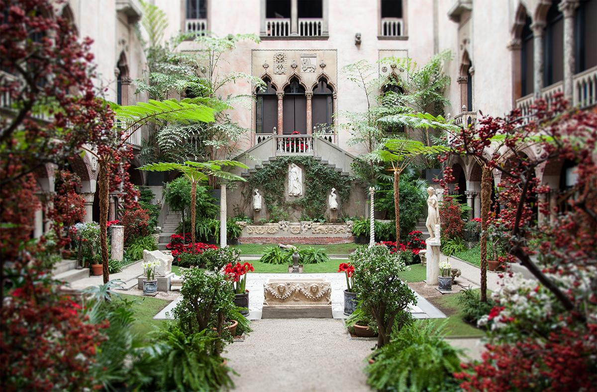gardner courtyard holidays