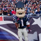 pat the patriots mascot sq