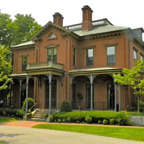 460 mansion front.2