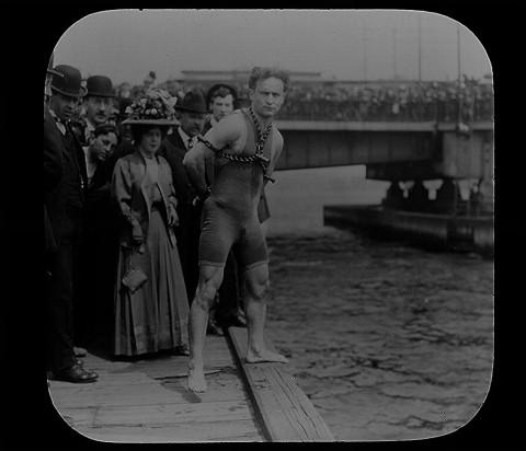 houdini harvard bridge charles river boston