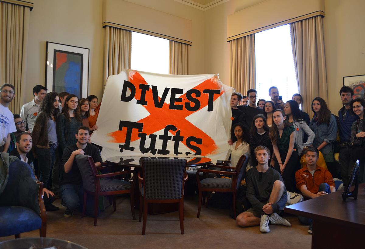 tufts divest