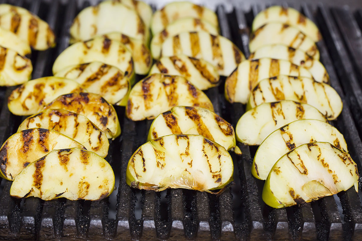 Grilled apples via shutterstock