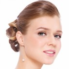 460 shutterstock_fresh faced bride