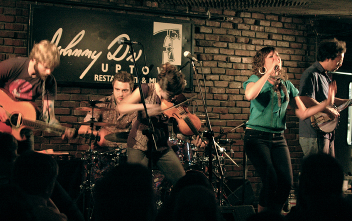The Duhks at Johnny D's by Sooz on Flickr.