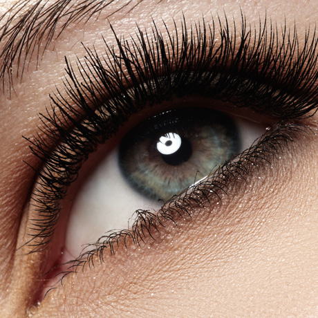 Beauty Find Friday: Top 5 Lash-Enhancing Serums
