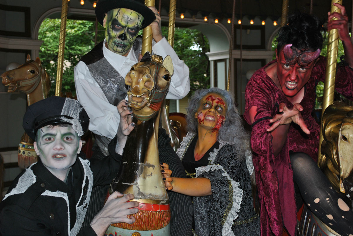 Massachusetts' Best Haunted Houses / Halloween Takeovers