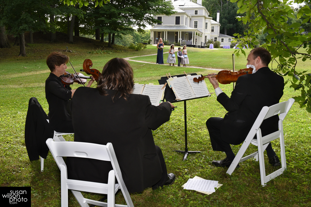 How to Use Live Classical Music Ensembles for Weddings