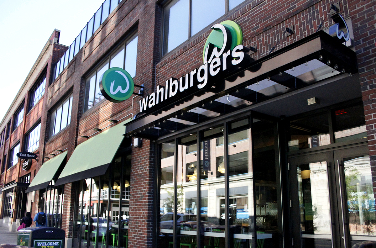 wahlburgers boston fenway