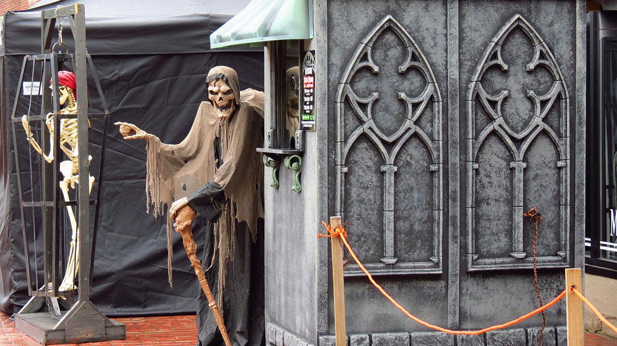 Halloween Salem: Count Orlok's Nightmare Gallery