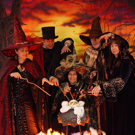 Halloween15_Salem_WitchCostumes_small