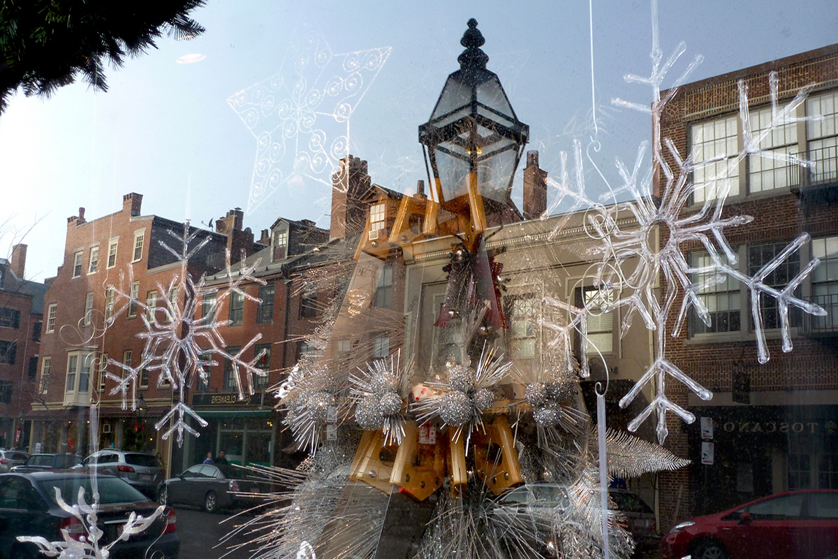 Beacon Hill Holiday Display by Leslee_atFlickr via Flickr.