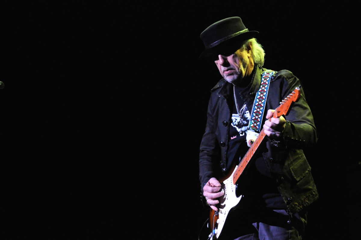 Brad Whitford Photo by TDC Photography / Shutterstock.com