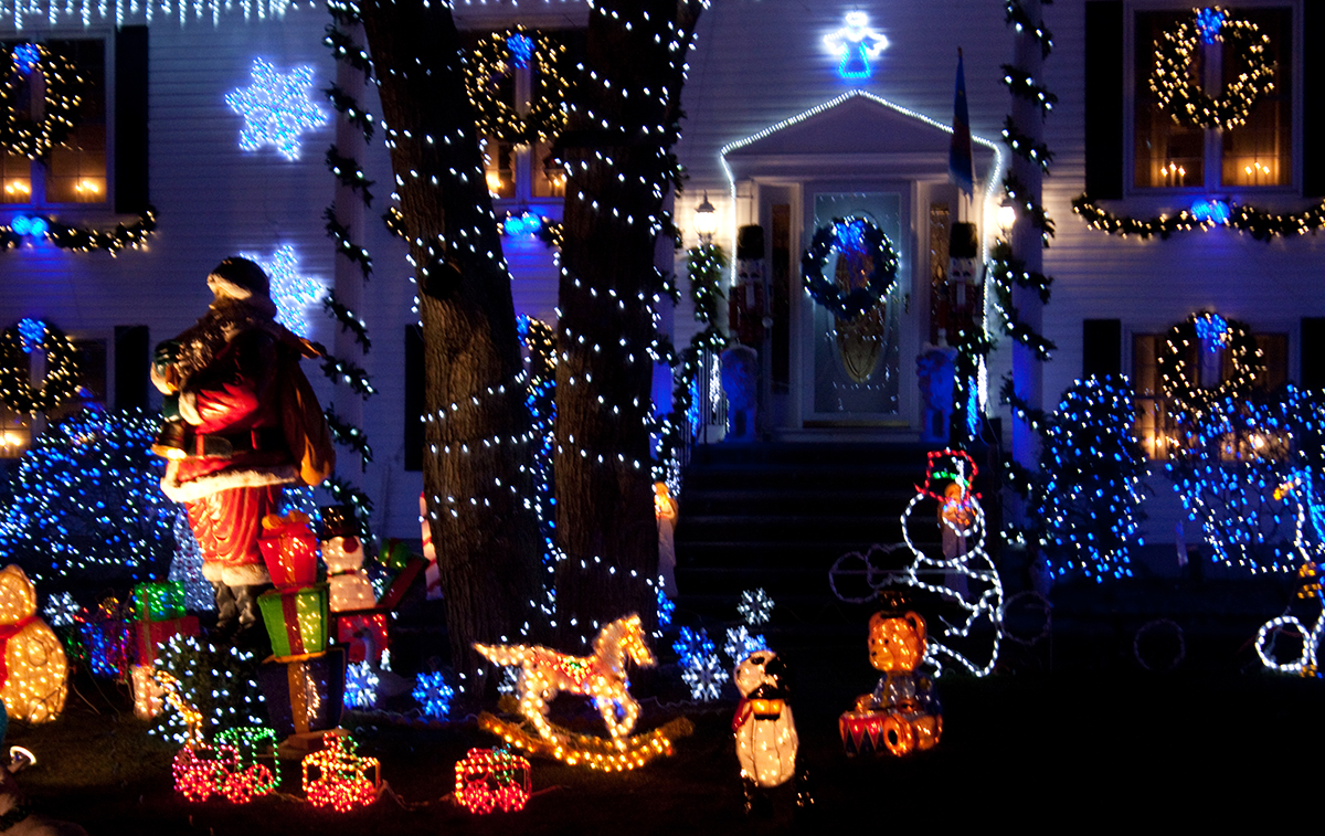 saugus lights photo by rachel c photography on flickrcreative commons - Where To Go See Christmas Lights