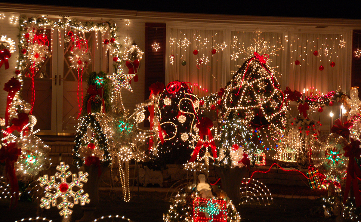 Best places to see christmas lights in boston boston magazine saugus lights photo by chris devers on flickrcreative commons sciox Images