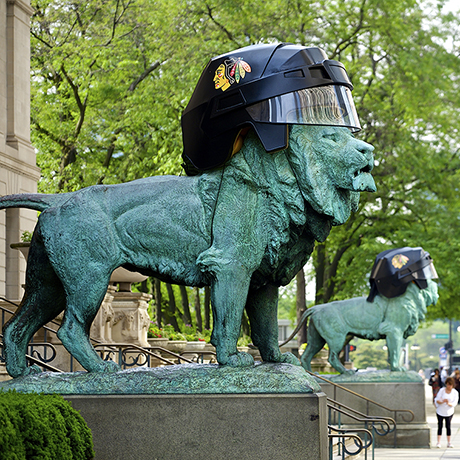 Another example that Chicagoans know how to have fun.  Even the iconic lions in front of Art Institute of Chicago caught playoff fever during the 2015 Stanley Cup finals.   The Chicago Blackhawks would to on to win the Cup, 4 games to 2, against the Tampa Bay Lightning.