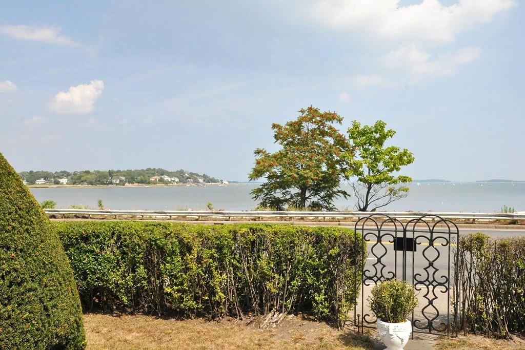 quincy waterfront villa